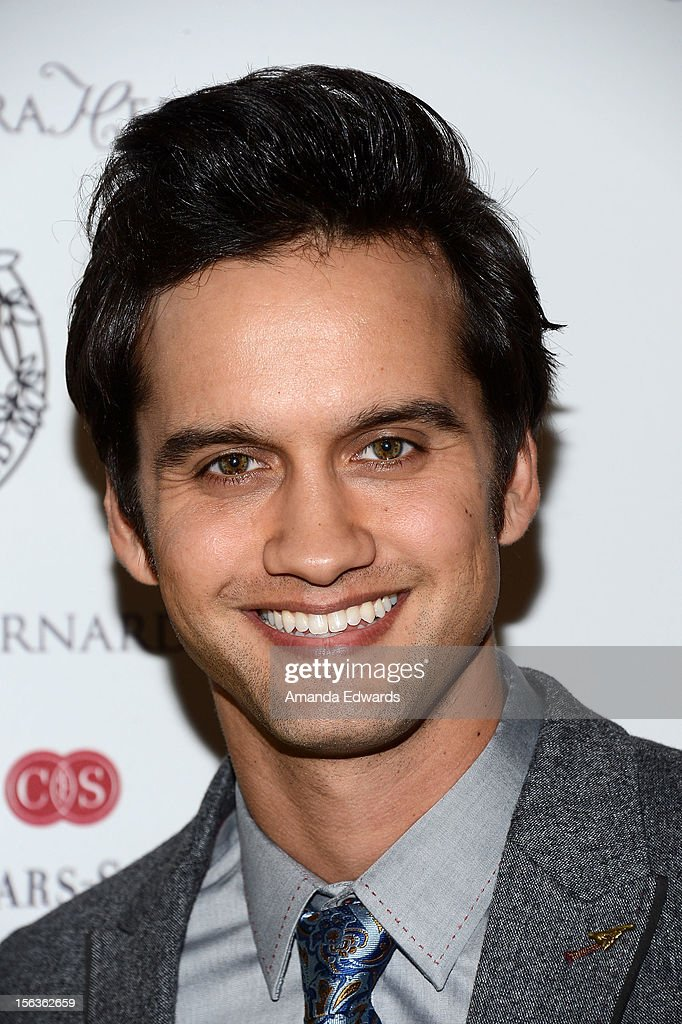 Actor <a gi-track='captionPersonalityLinkClicked' href=/galleries/search?phrase=Michael+Steger&family=editorial&specificpeople=4663682 ng-click='$event.stopPropagation()'>Michael Steger</a> arrives at the 55th Annual Women's Guild Cedars-Sinai Anniversary Gala at the Beverly Wilshire Four Seasons Hotel on November 13, 2012 in Beverly Hills, California.