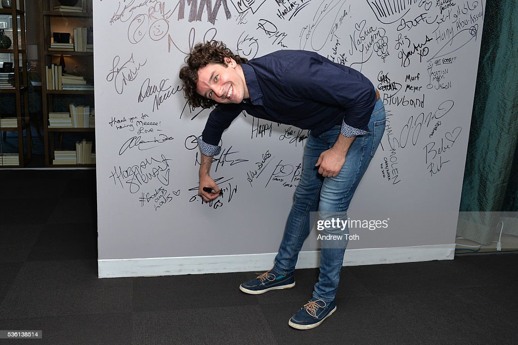 Actor <a gi-track='captionPersonalityLinkClicked' href=/galleries/search?phrase=Michael+Urie&family=editorial&specificpeople=883711 ng-click='$event.stopPropagation()'>Michael Urie</a> attends the AOL Build Speaker Series <a gi-track='captionPersonalityLinkClicked' href=/galleries/search?phrase=Michael+Urie&family=editorial&specificpeople=883711 ng-click='$event.stopPropagation()'>Michael Urie</a> discusses hosting The 61st Drama Desk Awards at AOL Studios In New York on May 31, 2016 in New York City.