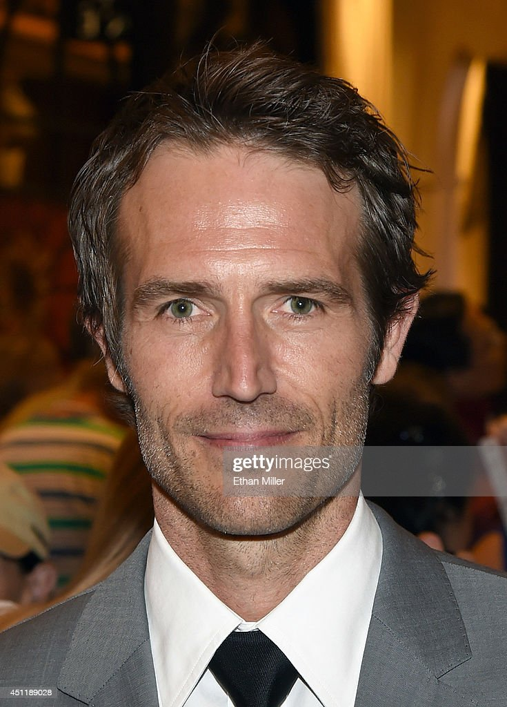 Actor <a gi-track='captionPersonalityLinkClicked' href=/galleries/search?phrase=Michael+Vartan&family=editorial&specificpeople=226571 ng-click='$event.stopPropagation()'>Michael Vartan</a> arrives at the 2014 NHL Awards at Encore Las Vegas on June 24, 2014 in Las Vegas, Nevada.