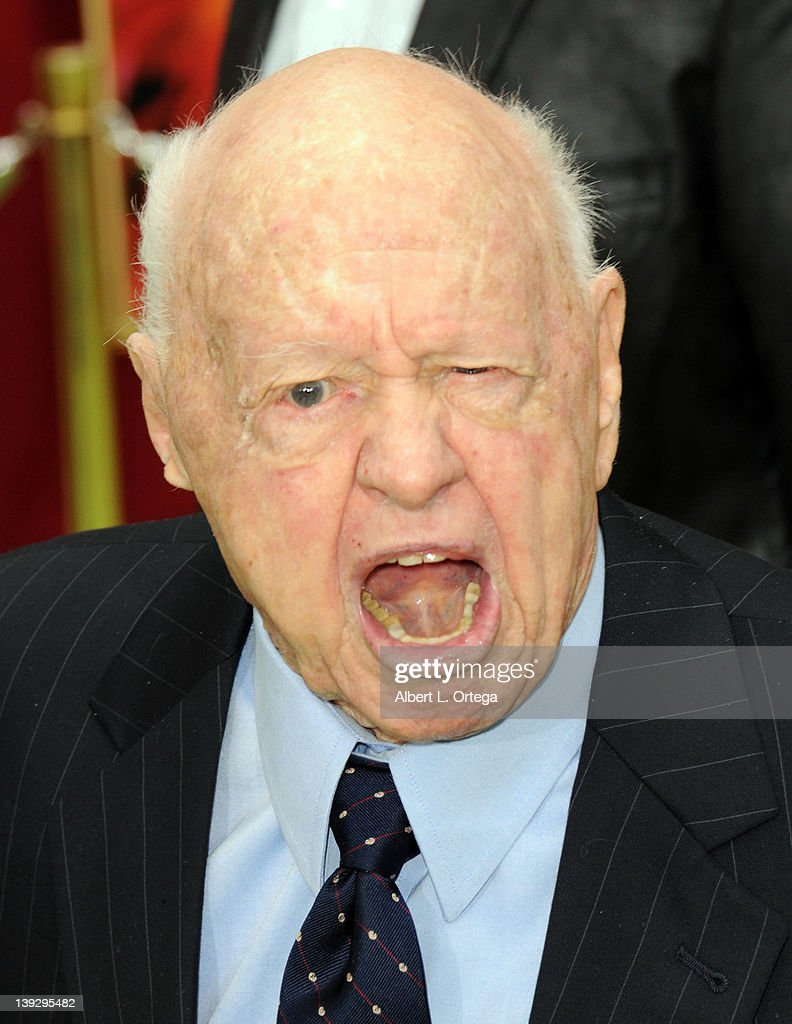 Actor <a gi-track='captionPersonalityLinkClicked' href=/galleries/search?phrase=Mickey+Rooney&family=editorial&specificpeople=91553 ng-click='$event.stopPropagation()'>Mickey Rooney</a> arrives for 'The Muppets' Los Angeles Premiere held at the El Capitan Theatre on November 12, 2011 in Hollywood, California.