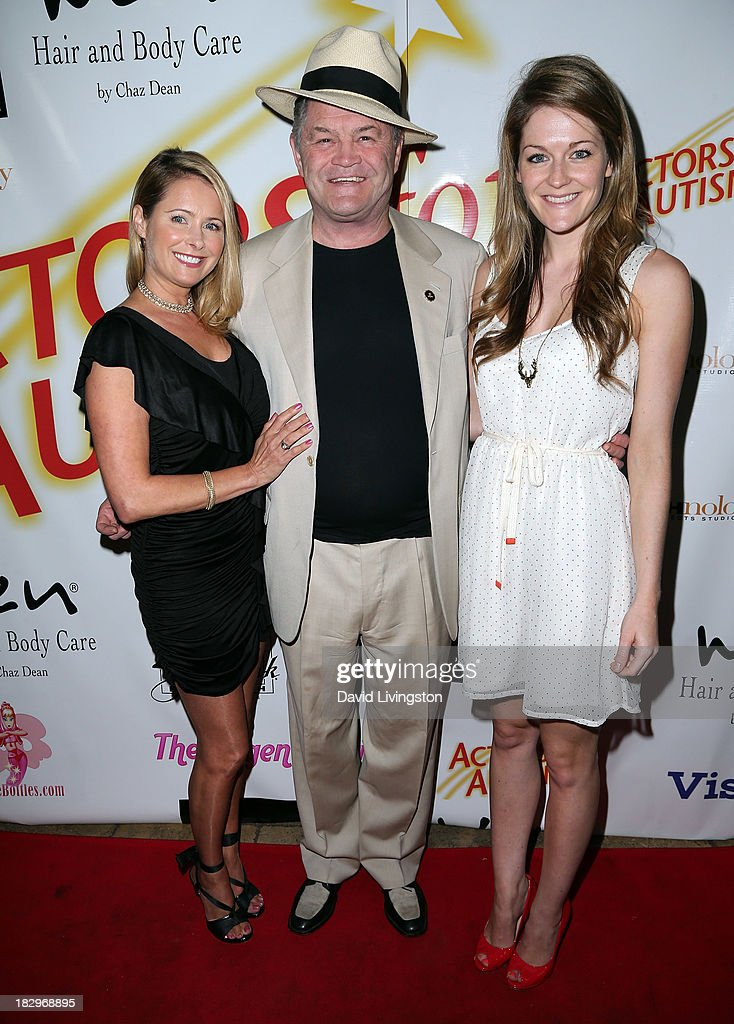 Actor <a gi-track='captionPersonalityLinkClicked' href=/galleries/search?phrase=Micky+Dolenz&family=editorial&specificpeople=221363 ng-click='$event.stopPropagation()'>Micky Dolenz</a> (C) poses with daughters actress <a gi-track='captionPersonalityLinkClicked' href=/galleries/search?phrase=Ami+Dolenz&family=editorial&specificpeople=700283 ng-click='$event.stopPropagation()'>Ami Dolenz</a> (L) and Georgia Rose Dolenz at Actors for Autism and Rockwell Table & Stage presents Reach for the Stars at Rockwell Table & Stage on October 2, 2013 in Los Angeles, California.