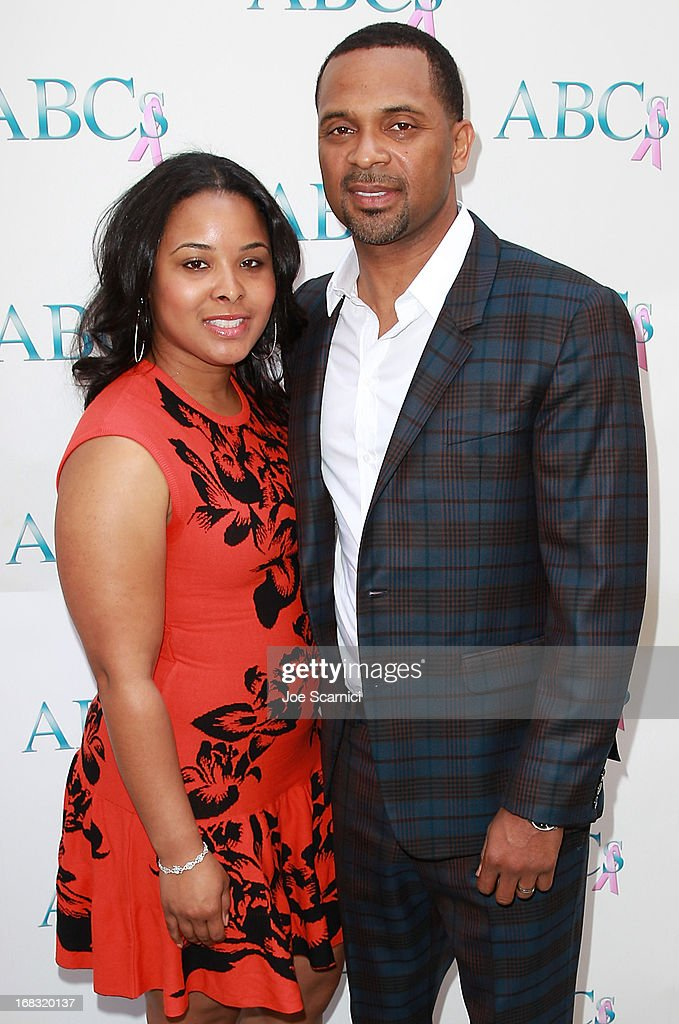 Actor <a gi-track='captionPersonalityLinkClicked' href=/galleries/search?phrase=Mike+Epps&family=editorial&specificpeople=2137559 ng-click='$event.stopPropagation()'>Mike Epps</a> (R) and wife actress Mechelle Epps arrives at ABC's Mother's Day luncheon at Four Seasons hotel Los Angeles at Beverly Hills on May 8, 2013 in Beverly Hills, California.