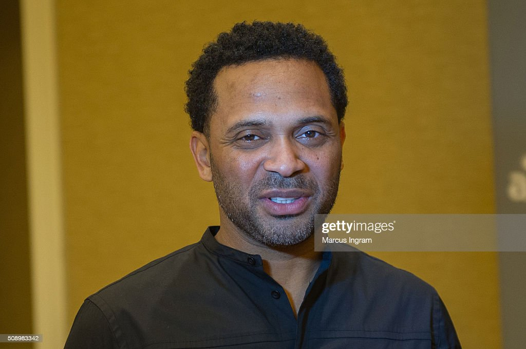 Actor <a gi-track='captionPersonalityLinkClicked' href=/galleries/search?phrase=Mike+Epps&family=editorial&specificpeople=2137559 ng-click='$event.stopPropagation()'>Mike Epps</a> attends 'Uncle Buck' event during SCAD aTVfest 2016 Day 4 at the Four Seasons Atlanta Hotel on February 7, 2016 in Atlanta, Georgia.