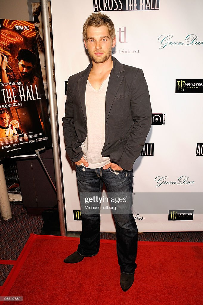 Actor <a gi-track='captionPersonalityLinkClicked' href=/galleries/search?phrase=Mike+Vogel&family=editorial&specificpeople=601802 ng-click='$event.stopPropagation()'>Mike Vogel</a> arrives at the premiere of 'Across The Hall' on December 1, 2009 in Beverly Hills, California.
