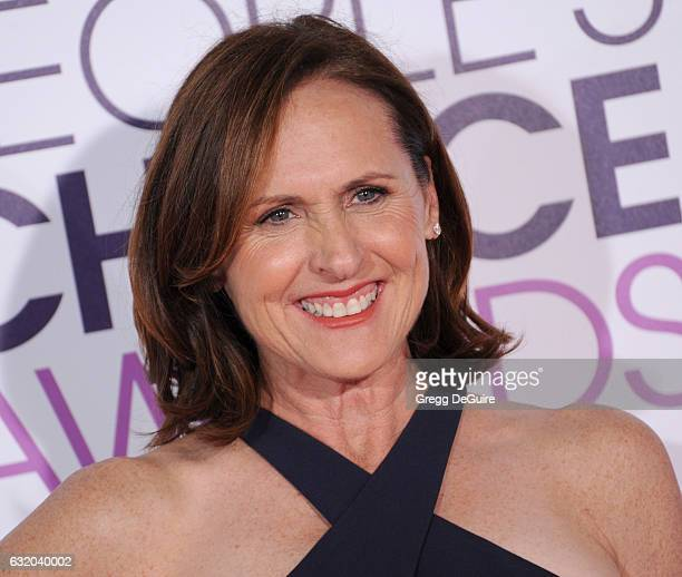 Actor Molly Shannon arrives at the 2017 People's Choice Awards at Microsoft Theater on January 18 2017 in Los Angeles California