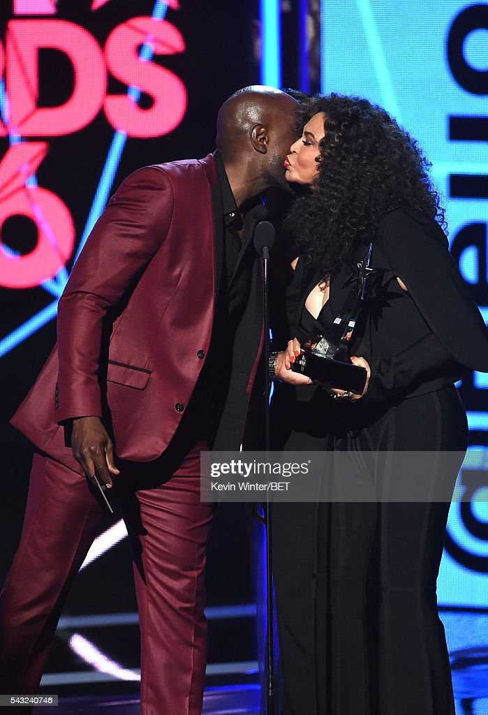 Actor <a gi-track='captionPersonalityLinkClicked' href=/galleries/search?phrase=Morris+Chestnut&family=editorial&specificpeople=707699 ng-click='$event.stopPropagation()'>Morris Chestnut</a> (L) presents Tina Knowles (accepting on behalf of winner Beyonce) the Video of the Year award for 'Formation' onstage during the 2016 BET Awards at the Microsoft Theater on June 26, 2016 in Los Angeles, California.