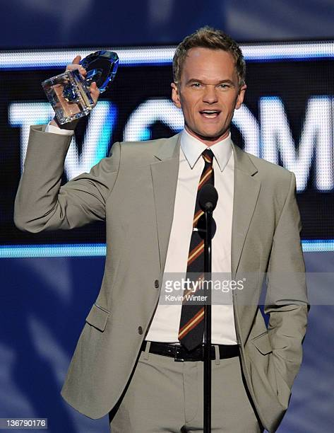 Actor Neil Patrick Harris winner Favorite TV Comedy Actor for 'How I Met Your Mother' speaks onstage at the 2012 People's Choice Awards at Nokia...