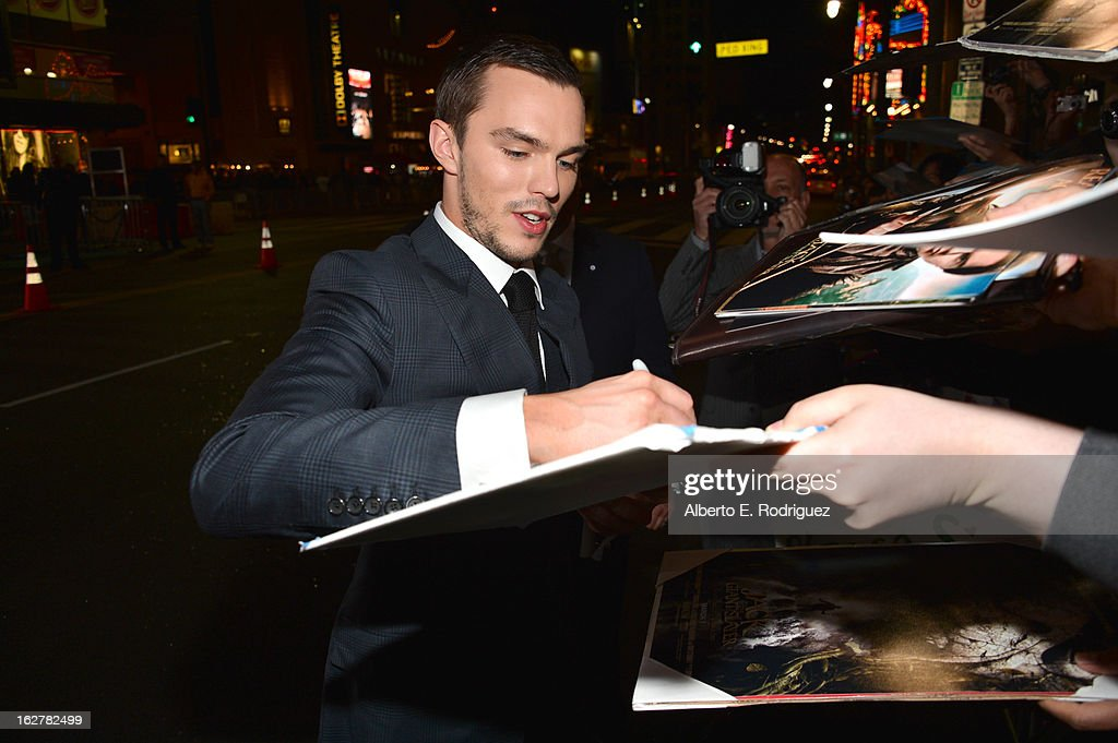 Actor <a gi-track='captionPersonalityLinkClicked' href=/galleries/search?phrase=Nicholas+Hoult&family=editorial&specificpeople=598892 ng-click='$event.stopPropagation()'>Nicholas Hoult</a> attend the premiere of New Line Cinema's 'Jack The Giant Slayer' at TCL Chinese Theatre on February 26, 2013 in Hollywood, California.
