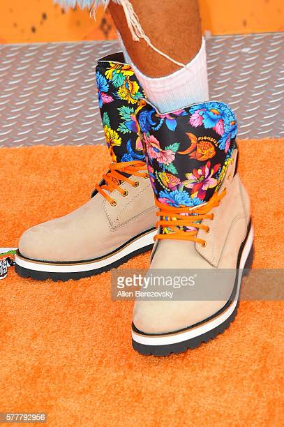 Actor Nick Cannon shoe detail arrives at the Nickelodeon Kids' Choice Sports Awards 2016 at UCLA's Pauley Pavilion on July 14 2016 in Westwood...