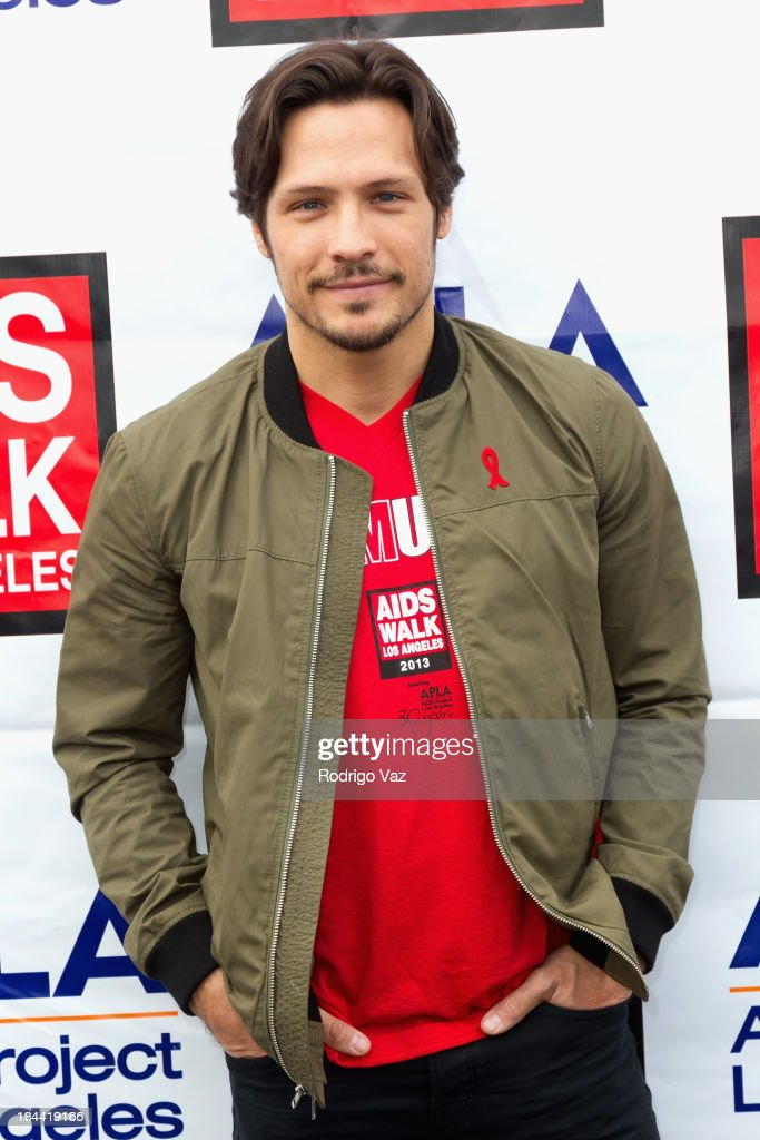Actor <a gi-track='captionPersonalityLinkClicked' href=/galleries/search?phrase=Nick+Wechsler+-+Actor&family=editorial&specificpeople=2210698 ng-click='$event.stopPropagation()'>Nick Wechsler</a> attends the 29th Annual AIDS Walk LA on October 13, 2013 in West Hollywood, California.