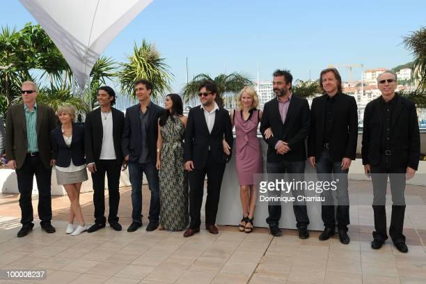 Actor Noah Emmerich guest Khaled Nabawy director Doug Liman actress Liraz Charhi actor JohnHenry Butterworth actress Naomi Watts actor Jez...