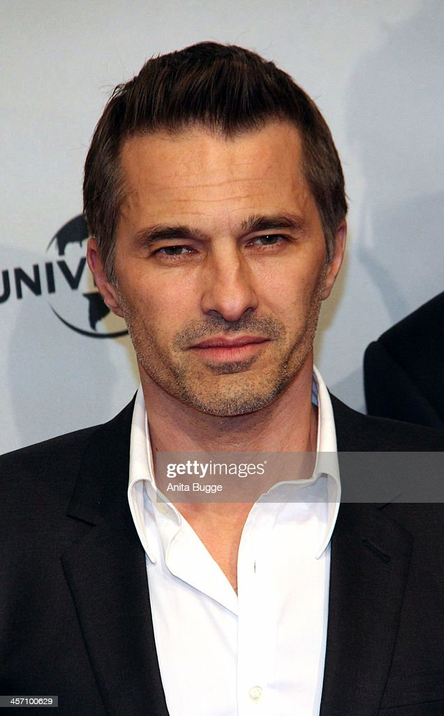 Actor <a gi-track='captionPersonalityLinkClicked' href=/galleries/search?phrase=Olivier+Martinez&family=editorial&specificpeople=213013 ng-click='$event.stopPropagation()'>Olivier Martinez</a> attends the 'The Physician' German premiere at Zoo Palast on December 16, 2013 in Berlin, Germany.