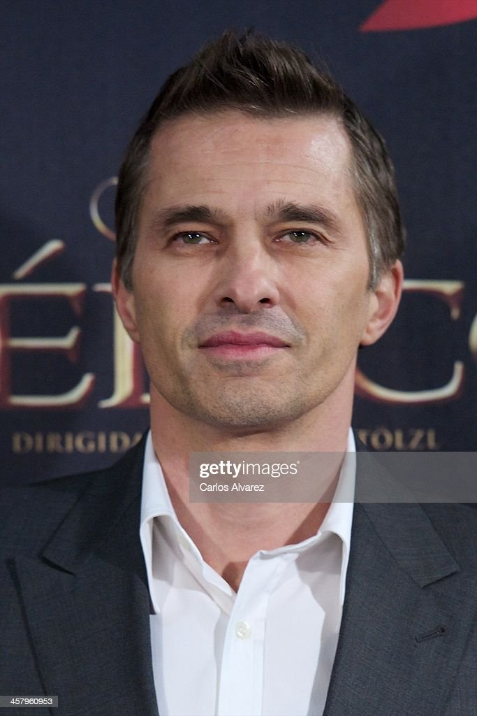 Actor <a gi-track='captionPersonalityLinkClicked' href=/galleries/search?phrase=Olivier+Martinez&family=editorial&specificpeople=213013 ng-click='$event.stopPropagation()'>Olivier Martinez</a> attends the 'The Physician' (El Medico) premiere at the Callao Cinema on December 19, 2013 in Madrid, Spain.