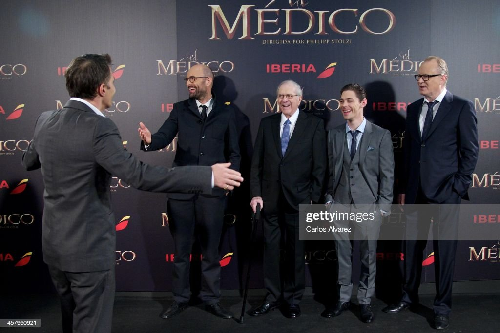 Actor <a gi-track='captionPersonalityLinkClicked' href=/galleries/search?phrase=Olivier+Martinez&family=editorial&specificpeople=213013 ng-click='$event.stopPropagation()'>Olivier Martinez</a>, director Philipp Stolzl, author Noah Gordon, actor Tom Payne and actor <a gi-track='captionPersonalityLinkClicked' href=/galleries/search?phrase=Stellan+Skarsgard&family=editorial&specificpeople=233516 ng-click='$event.stopPropagation()'>Stellan Skarsgard</a> attend the 'The Physician' (El Medico) premiere at the Callao Cinema on December 19, 2013 in Madrid, Spain.
