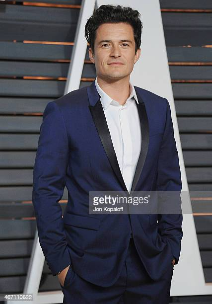 Actor Orlando Bloom arrives at the 2015 Vanity Fair Oscar Party Hosted By Graydon Carter at Wallis Annenberg Center for the Performing Arts on...