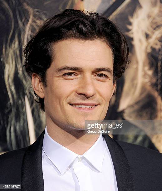 Actor Orlando Bloom arrives at the Los Angeles premiere of 'The Hobbit The Desolation Of Smaug' at TCL Chinese Theatre on December 2 2013 in...