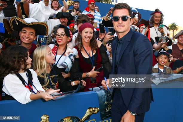 Actor Orlando Bloom attends the premiere of Disney's 'Pirates Of The Caribbean Dead Men Tell No Tales' at Dolby Theatre on May 18 2017 in Hollywood...