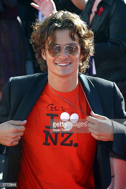 Actor Orlando Bloom attends the World Premiere of 'Lord of the Rings Return of the King' held on December 1 2003 at the Embassy Theatre in Wellington...