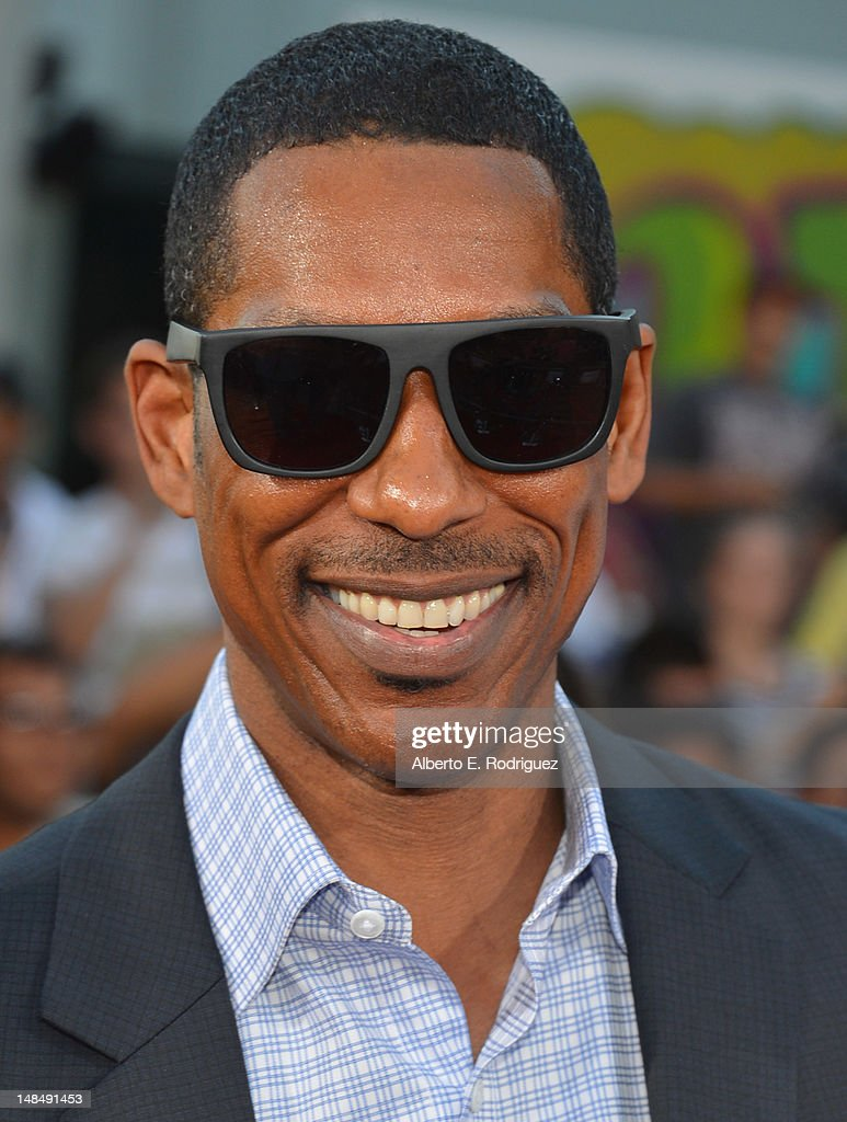 Actor <a gi-track='captionPersonalityLinkClicked' href=/galleries/search?phrase=Orlando+Jones&family=editorial&specificpeople=228483 ng-click='$event.stopPropagation()'>Orlando Jones</a> arrives to the Los Angeles premiere of Summit Entertainment's 'Step Up Revolution' at Grauman's Chinese Theatre on July 17, 2012 in Hollywood, California.