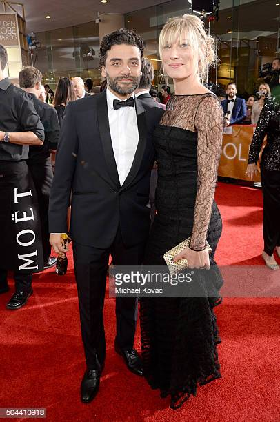 Actor Oscar Isaac and Elvira Lind attend the 73rd Annual Golden Globe Awards held at the Beverly Hilton Hotel on January 10 2016 in Beverly Hills...