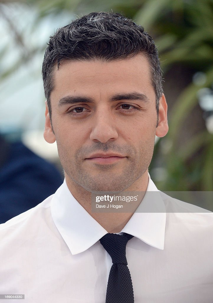 Actor <a gi-track='captionPersonalityLinkClicked' href=/galleries/search?phrase=Oscar+Isaac&family=editorial&specificpeople=2275888 ng-click='$event.stopPropagation()'>Oscar Isaac</a> attends the 'Inside Llewyn Davis' photocall during the 66th Annual Cannes Film Festival at the Palais des Festivals on May 19, 2013 in Cannes, France.