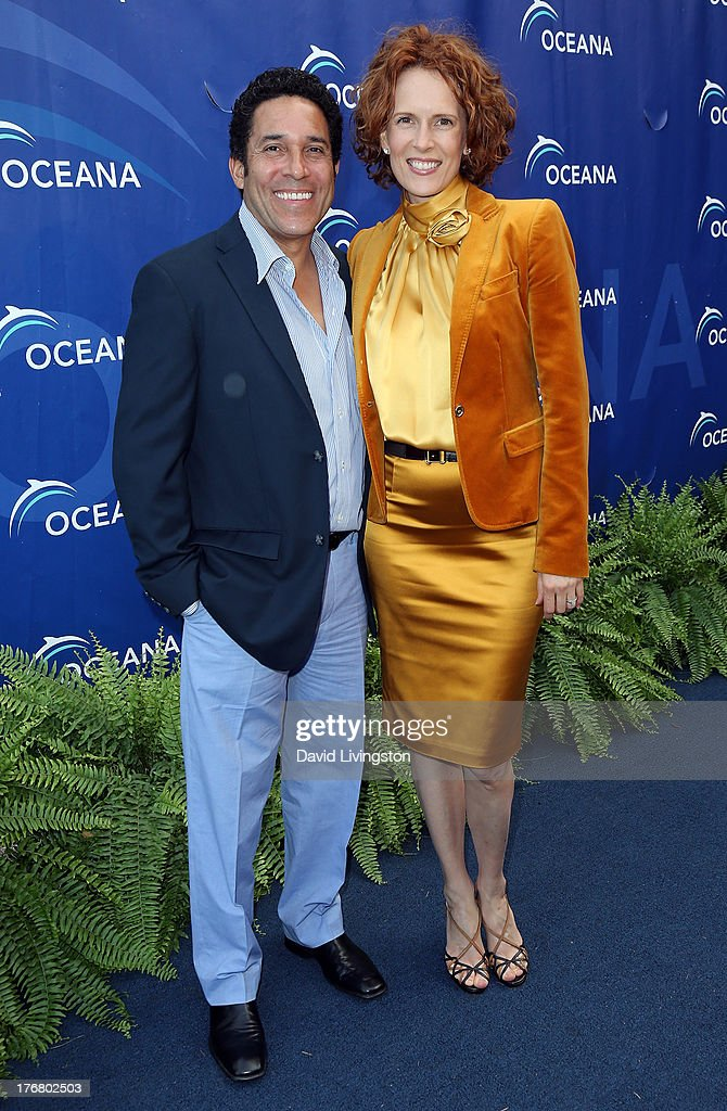 Actor <a gi-track='captionPersonalityLinkClicked' href=/galleries/search?phrase=Oscar+Nunez&family=editorial&specificpeople=851199 ng-click='$event.stopPropagation()'>Oscar Nunez</a> (L) and wife actress Ursula Whittaker attend Oceana's 6th Annual SeaChange Summer Party at Villa di Sogni on August 18, 2013 in Laguna Beach, California.