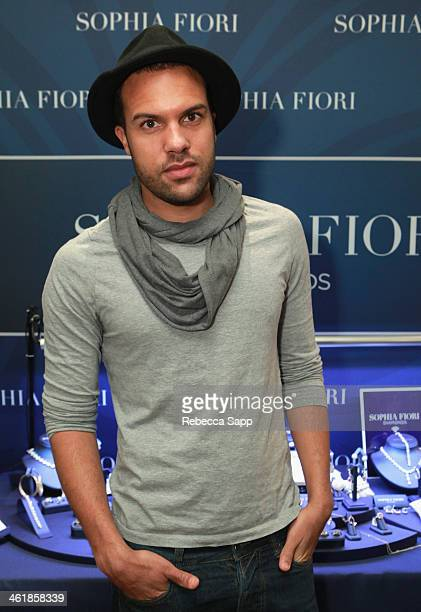Actor OT Fagbenle poses at the Sophia Fiori booth at the HBO Luxury Lounge featuring PANDORA Jewelry at Four Seasons Hotel Los Angeles at Beverly...
