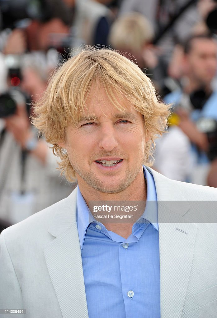 Actor <a gi-track='captionPersonalityLinkClicked' href=/galleries/search?phrase=Owen+Wilson&family=editorial&specificpeople=202027 ng-click='$event.stopPropagation()'>Owen Wilson</a> attends the 'Midnight In Paris' photocall at the Palais des Festivals during the 64th Cannes Film Festival on May 11, 2011 in Cannes, France.