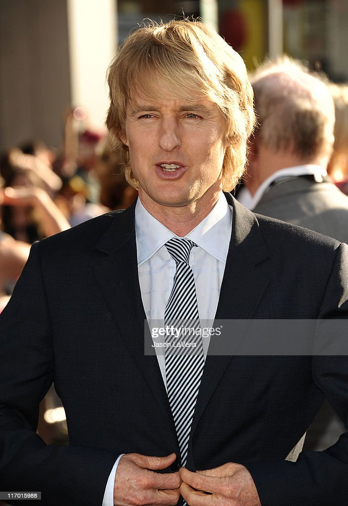 Actor <a gi-track='captionPersonalityLinkClicked' href=/galleries/search?phrase=Owen+Wilson&family=editorial&specificpeople=202027 ng-click='$event.stopPropagation()'>Owen Wilson</a> attends the premiere of Disney/Pixar's 'Cars 2' at the El Capitan Theatre on June 18, 2011 in Hollywood, California.