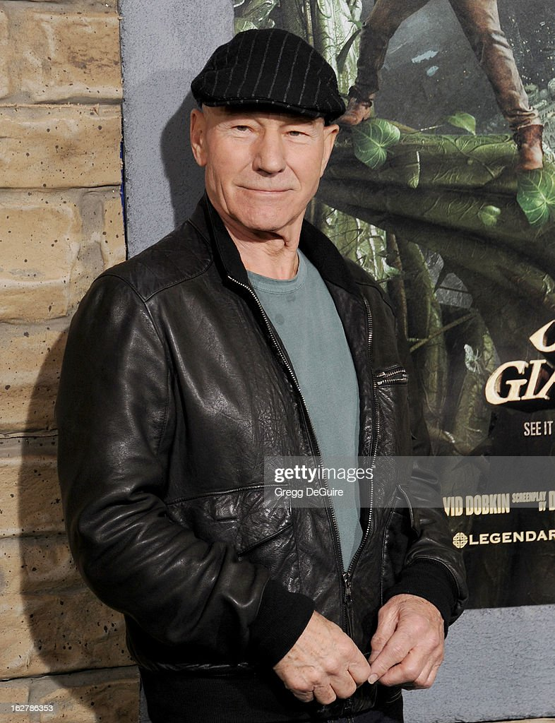 Actor <a gi-track='captionPersonalityLinkClicked' href=/galleries/search?phrase=Patrick+Stewart&family=editorial&specificpeople=203271 ng-click='$event.stopPropagation()'>Patrick Stewart</a> arrives at the Los Angeles premiere of 'Jack The Giant Slayer' at TCL Chinese Theatre on February 26, 2013 in Hollywood, California.