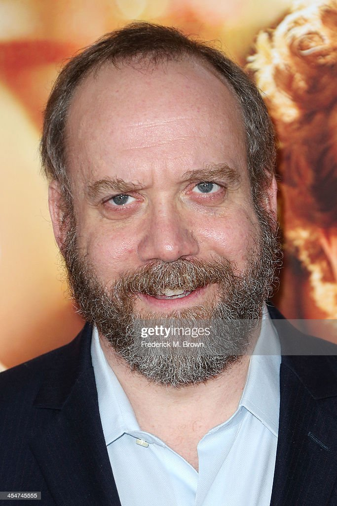 Actor <a gi-track='captionPersonalityLinkClicked' href=/galleries/search?phrase=Paul+Giamatti&family=editorial&specificpeople=202498 ng-click='$event.stopPropagation()'>Paul Giamatti</a> attends the Premiere of Disney's 'Saving Mr. Banks' at Walt Disney Studios on December 9, 2013 in Burbank, California.