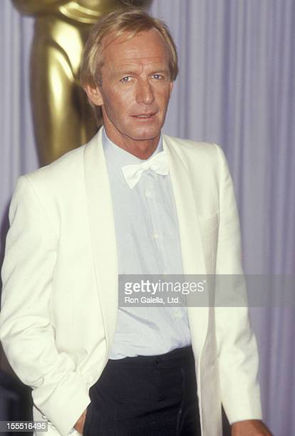 Actor Paul Hogan attends 59th Annual Academy Awards on March 20 1987 at the Dorothy Chandler Pavilion in Los Angeles California