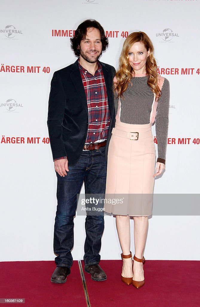 Actor Paul Rudd and actress Leslie Mann attend the 'Immer Aerger mit 40' Berlin photocall at Hotel Adlon on January 30, 2013 in Berlin, Germany.