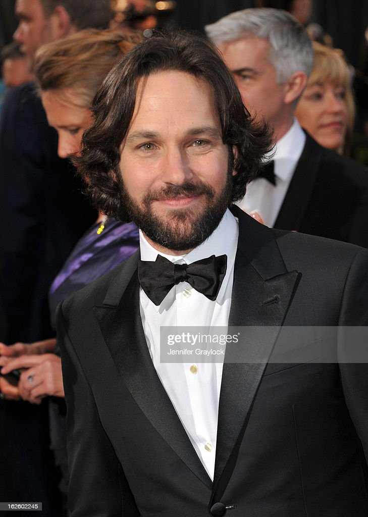 Actor <a gi-track='captionPersonalityLinkClicked' href=/galleries/search?phrase=Paul+Rudd&family=editorial&specificpeople=209014 ng-click='$event.stopPropagation()'>Paul Rudd</a> attends the 85th Annual Academy Awards held at the Hollywood & Highland Center on February 24, 2013 in Hollywood, California.