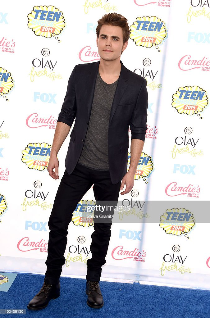 Actor <a gi-track='captionPersonalityLinkClicked' href=/galleries/search?phrase=Paul+Wesley&family=editorial&specificpeople=693176 ng-click='$event.stopPropagation()'>Paul Wesley</a> attends FOX's 2014 Teen Choice Awards at The Shrine Auditorium on August 10, 2014 in Los Angeles, California.