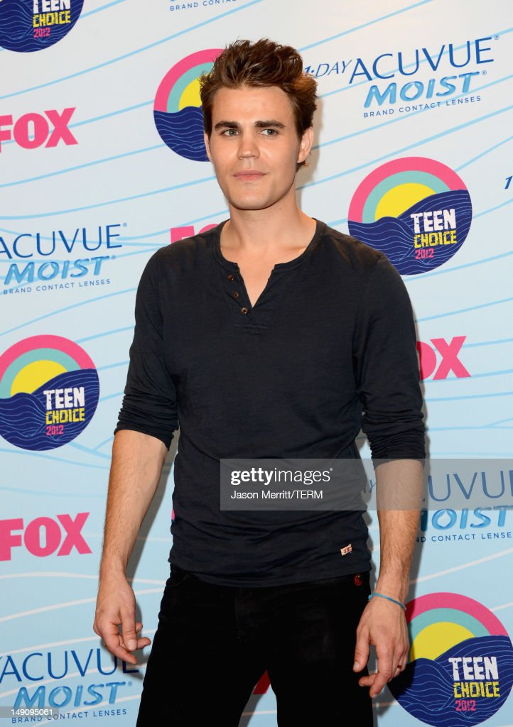 Actor <a gi-track='captionPersonalityLinkClicked' href=/galleries/search?phrase=Paul+Wesley&family=editorial&specificpeople=693176 ng-click='$event.stopPropagation()'>Paul Wesley</a>, winner of Choice Fantasy/Sci-Fi Show award, poses in the press room during the 2012 Teen Choice Awards at Gibson Amphitheatre on July 22, 2012 in Universal City, California.