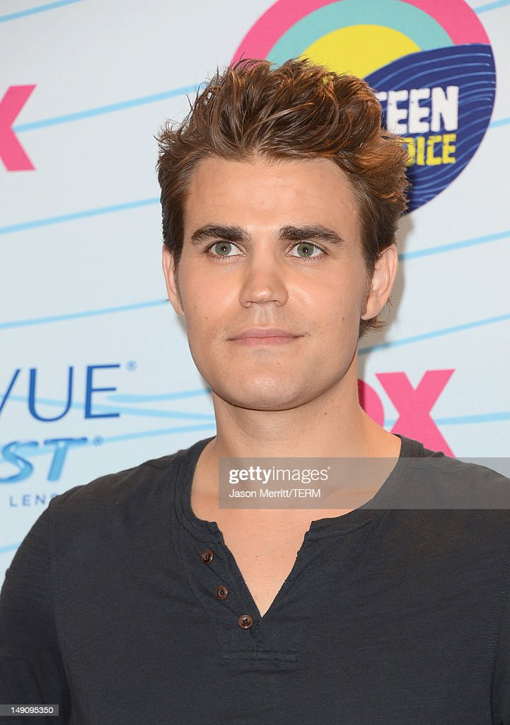 Actor Paul Wesley, winner of Choice Fantasy/Sci-Fi Show award, poses in the press room during the 2012 Teen Choice Awards at Gibson Amphitheatre on July 22, 2012 in Universal City, California.