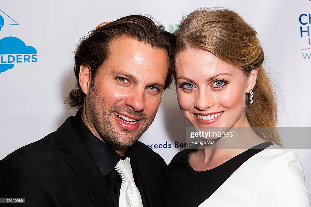 Actor Paulo Benedeti (L) attends The Dream Builders Project 'A Brighter Future For Children' at H.O.M.E. on March 15, 2014 in Beverly Hills, California.