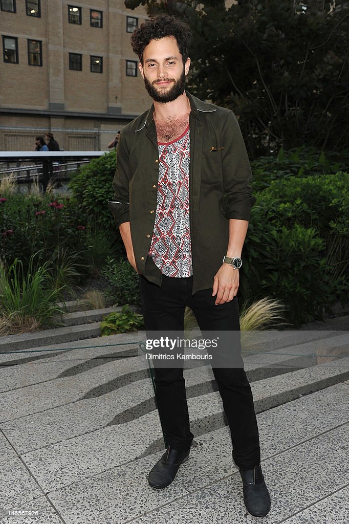 Actor <a gi-track='captionPersonalityLinkClicked' href=/galleries/search?phrase=Penn+Badgley&family=editorial&specificpeople=544488 ng-click='$event.stopPropagation()'>Penn Badgley</a> attends the Summer Party on the HIGH LINE, Presented by COACH at The Highline on June 19, 2012 in New York City.