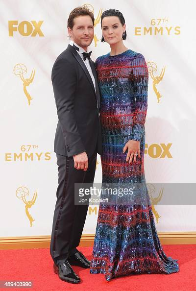 Actor Peter Facinelli and actress Jaimie Alexander arrive at the 67th Annual Primetime Emmy Awards at Microsoft Theater on September 20 2015 in Los...