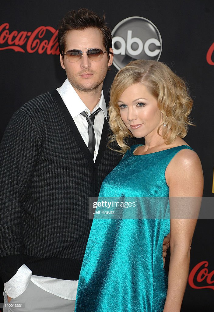 Actor Peter Facinelli and Jennie Garth arrives to the 2007 American Music Awards at the Nokia Theatre on November 18 2007 in Los Angeles California