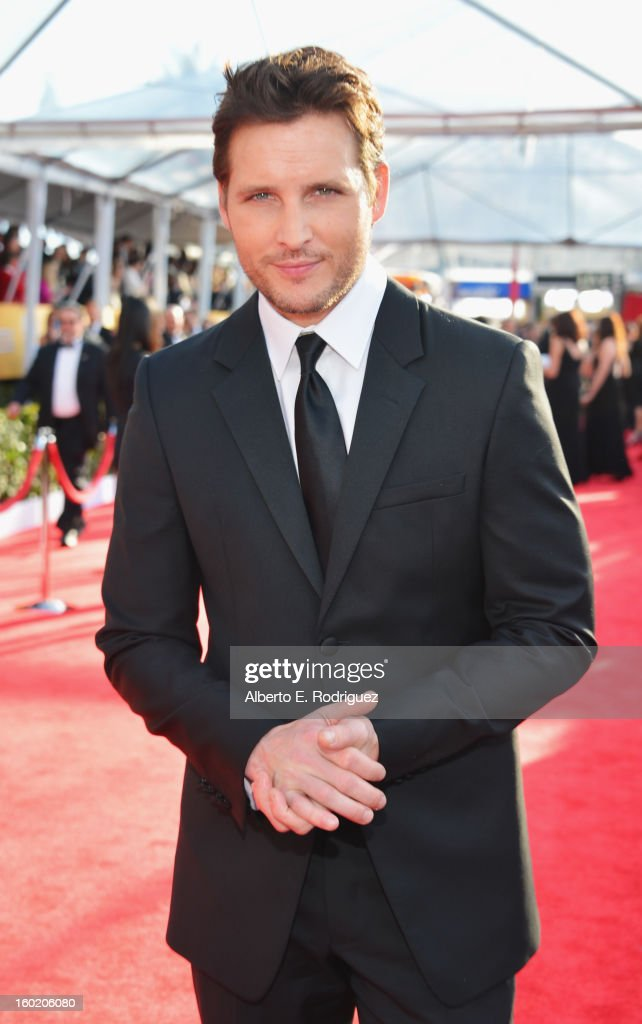 Actor Peter Facinelli arrives at the 19th Annual Screen Actors Guild Awards held at The Shrine Auditorium on January 27, 2013 in Los Angeles, California.