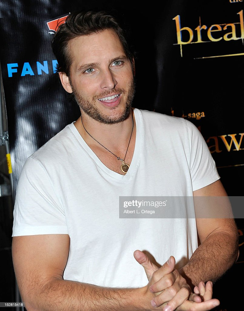 Actor <a gi-track='captionPersonalityLinkClicked' href=/galleries/search?phrase=Peter+Facinelli&family=editorial&specificpeople=233464 ng-click='$event.stopPropagation()'>Peter Facinelli</a> arrives for Summit Entertainment's 'The Twilight Saga: Breaking Dawn - PART 2 VIP - Comic-Con Celebration - Arrivals held at The Hard Rock Hotel on July 11, 2012 in San Diego, California.