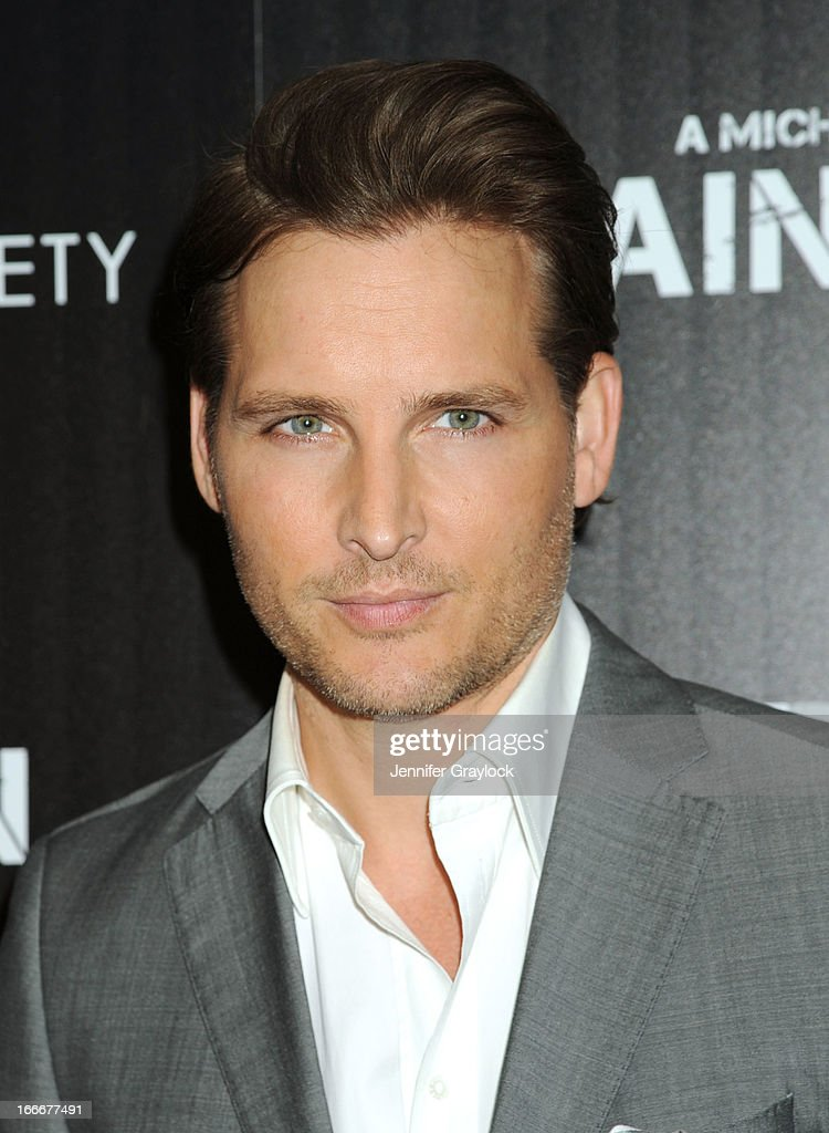 Actor <a gi-track='captionPersonalityLinkClicked' href=/galleries/search?phrase=Peter+Facinelli&family=editorial&specificpeople=233464 ng-click='$event.stopPropagation()'>Peter Facinelli</a> attends The Cinema Society and Men's Fitness host a screening of 'Pain and Gain' held at Crosby Street Hotel on April 15, 2013 in New York City.