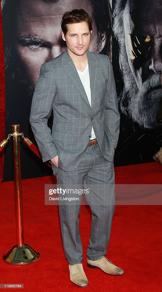 Actor <a gi-track='captionPersonalityLinkClicked' href=/galleries/search?phrase=Peter+Facinelli&family=editorial&specificpeople=233464 ng-click='$event.stopPropagation()'>Peter Facinelli</a> attends the premiere of Paramount Pictures' And Marvel's 'Thor' at the El Capitan Theatre on May 2, 2011 in Los Angeles, California.