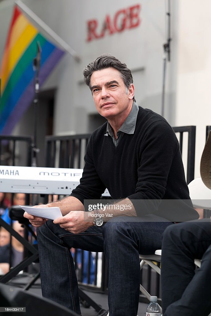 Actor <a gi-track='captionPersonalityLinkClicked' href=/galleries/search?phrase=Peter+Gallagher+-+Actor&family=editorial&specificpeople=171778 ng-click='$event.stopPropagation()'>Peter Gallagher</a> attends the 29th Annual AIDS Walk LA on October 13, 2013 in West Hollywood, California.