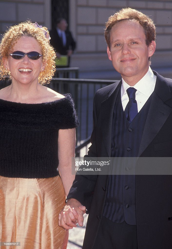 Actor Peter MacNicol and wife Martha Sue Cumming attend Primetime Creative Arts Emmy Awards on August 28, 1999 at the Pasadena Civic Auditorium in Pasadena, California.