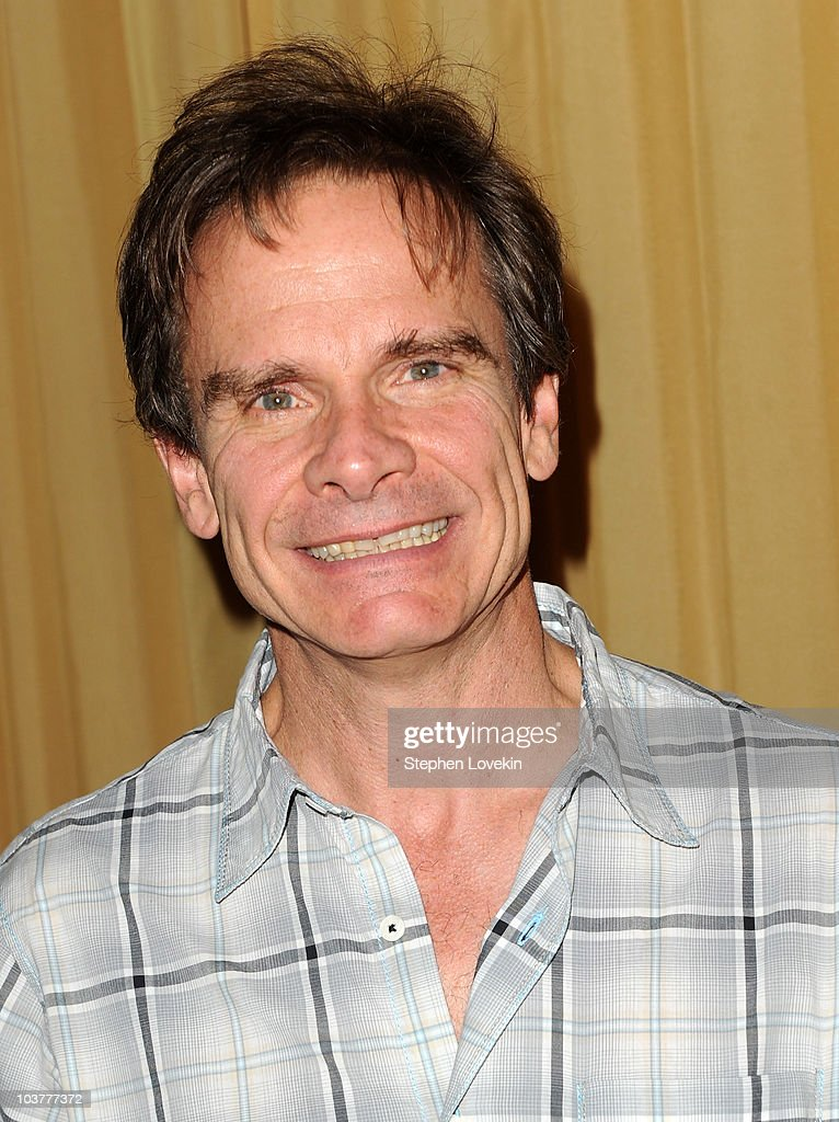 Actor Peter Scolari attends the after party for the opening night of 'It Must Be Him' at 48 Lounge on September 1, 2010 in New York City. Show more - actor-peter-scolari-attends-the-after-party-for-the-opening-night-of-picture-id103777372