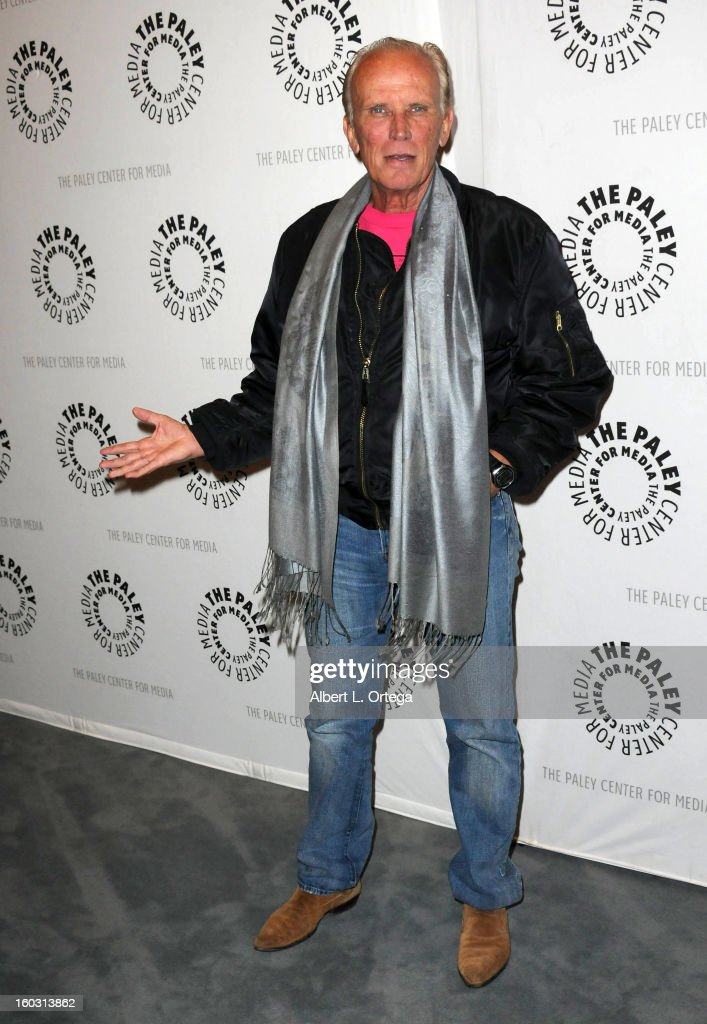 Actor <a gi-track='captionPersonalityLinkClicked' href=/galleries/search?phrase=Peter+Weller&family=editorial&specificpeople=224823 ng-click='$event.stopPropagation()'>Peter Weller</a> arrives for The Paley Center for Media & Warner Bros. Home Entertainment Premiere of 'Batman: The Dark Knight Returns, Part 2' held at The Paley Center for Media on January 28, 2013 in Beverly Hills, California.