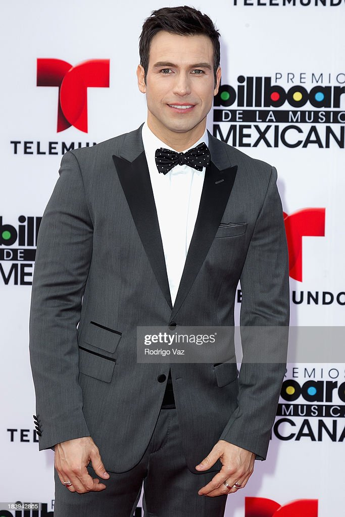 Actor Rafael Amaya attends the 2013 Billboard Mexican Music Awards arrivals at Dolby Theatre on October 9, 2013 in Hollywood, California.